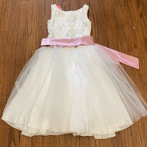 LE PINK**Flower Girl Dress***$189